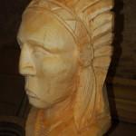 sculpture à la tronçonneuse tête d'indien